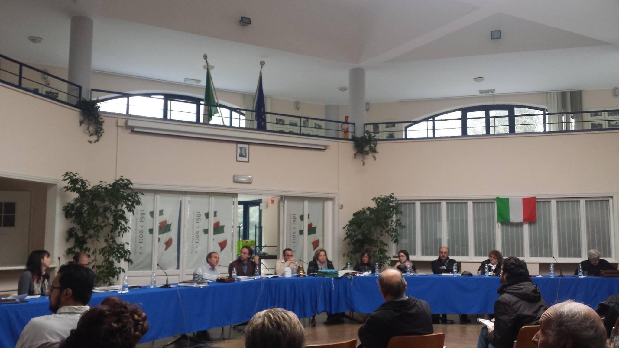 foto dell'ultimo consiglio comunale di Fino Mornasco