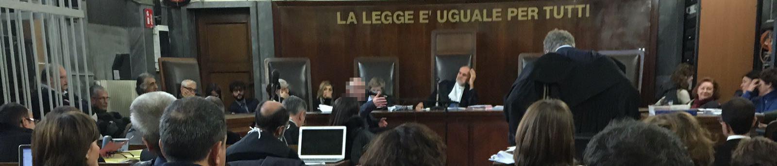 Domenico Belfiore (oscurato) mentre depone. Ph. Unilibera Milano