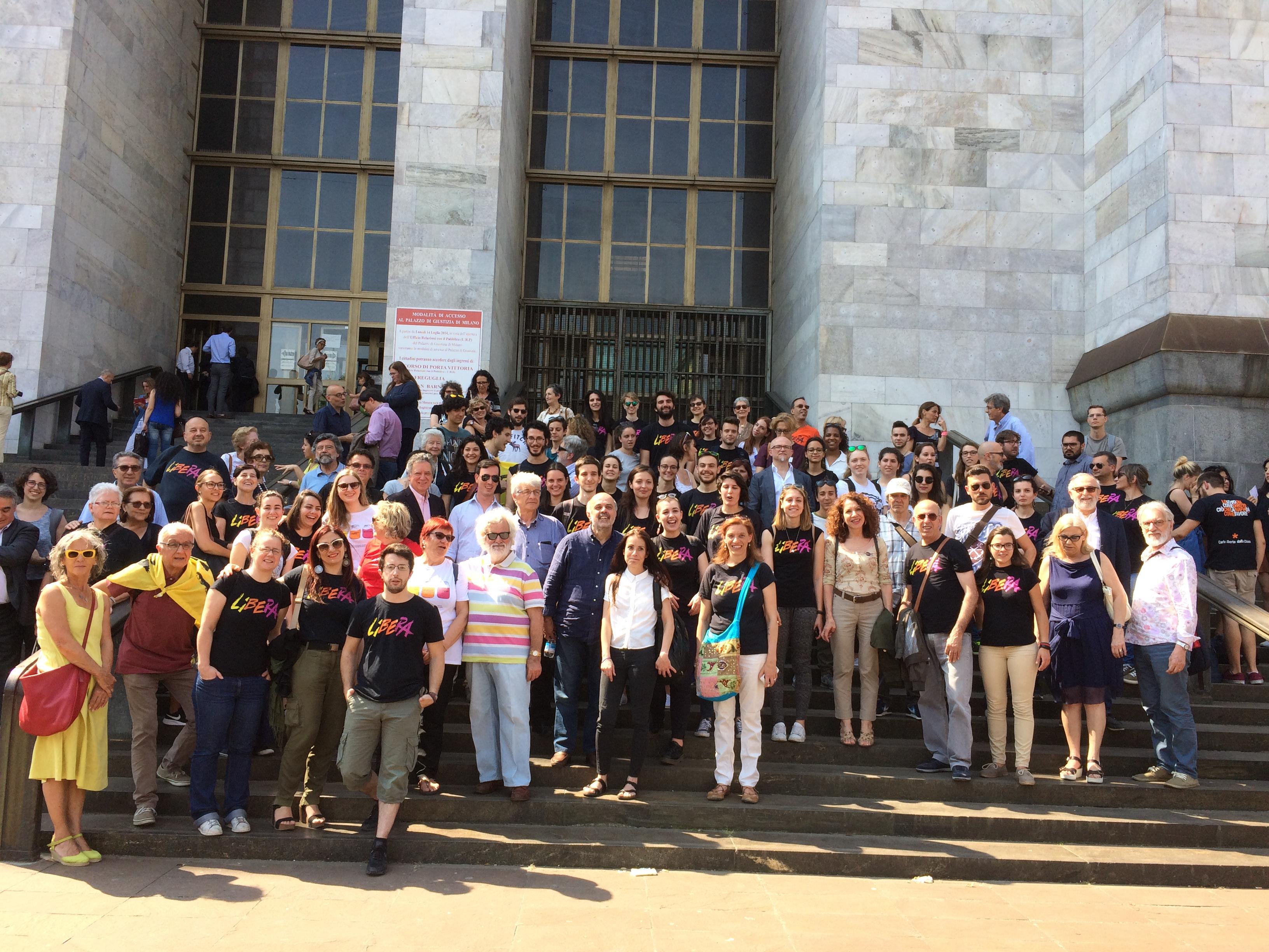 Milano, processo Ciotti-Riina. Grande partecipazione al presidio di solidarietà