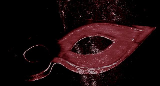 Giù la maschera.