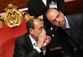 Il Senatore, il Ministro e il Presidente. E la mafia.