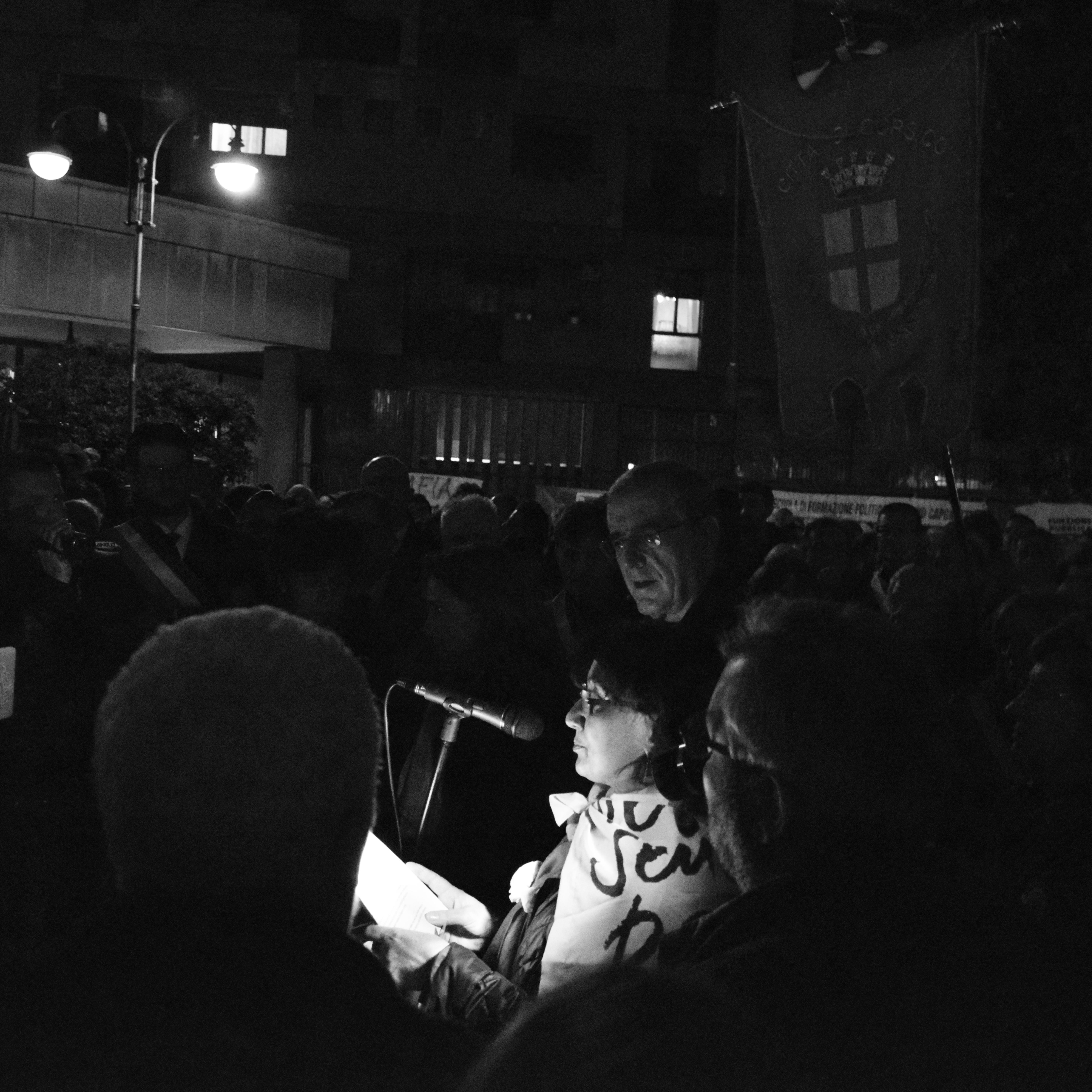 Corsico, centinaia di persone in piazza da tutta la Lombardia per dire no alla 'ndrangheta