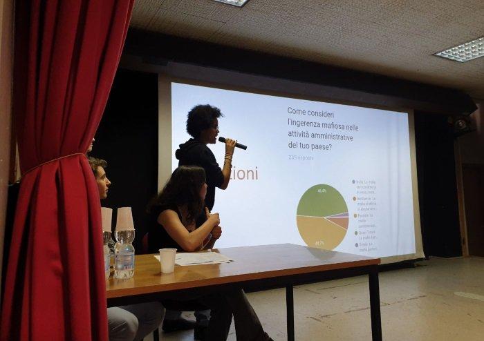 """Mafie, studenti del 'Volta' di Milano: """"Sappiamo riconoscerle e vogliamo impegnarci"""""""